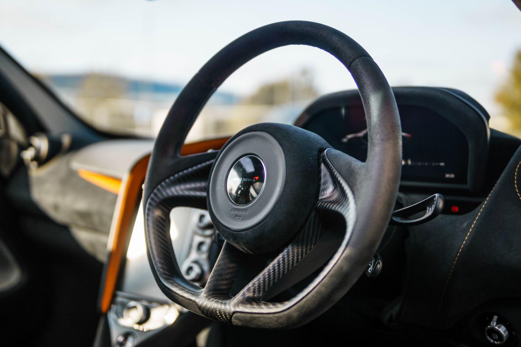 McLaren 720S V8 2dr SSG PERFORMANCE image 31